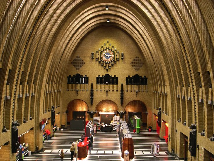 Het postkantoor opende 1924 zijn deuren.2008 gesloten.De plannen zijn verbouwen tot designhotel of winkels.