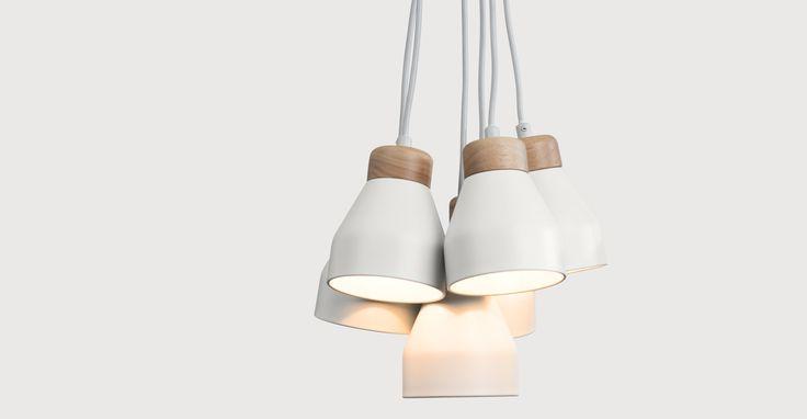 Eine Hängeleuchte mit 6 Lampen: die Albert Deckenleuchte in Grauweiß von MADE.