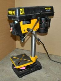 Mini drill presses are functionally similar to their full-sized counterparts, but they vary in much more than just their size. http://bigdealhq.com/best-small-drill-press