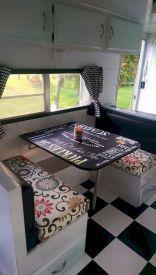 Camper remodel ideas for renovating rv travel trailers (10) #vintagetraveltrailers