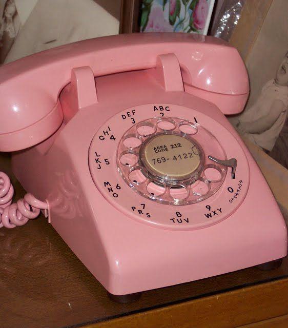 Vintage pink phone  Google Image Result for http://3.bp.blogspot.com/_vYQUdQMJv4U/TEdyWbaclRI/AAAAAAAABLg/mMNMTS6zcf0/s1600/10vintage-pink.jpg
