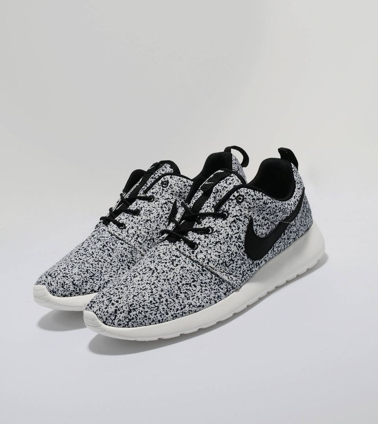 Nike Roshe Run Speckle - find out more on our site. Find the freshest in trainers and clothing online now.