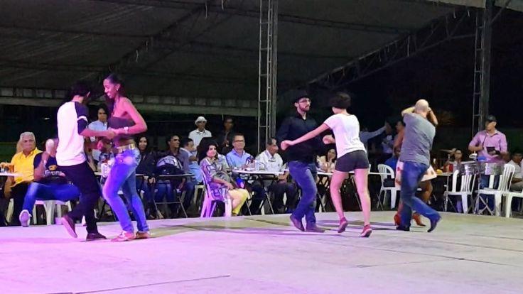 Así disfrutaron los Caleños, Melomanos y Salsomanos de #SalsaAlParque en...