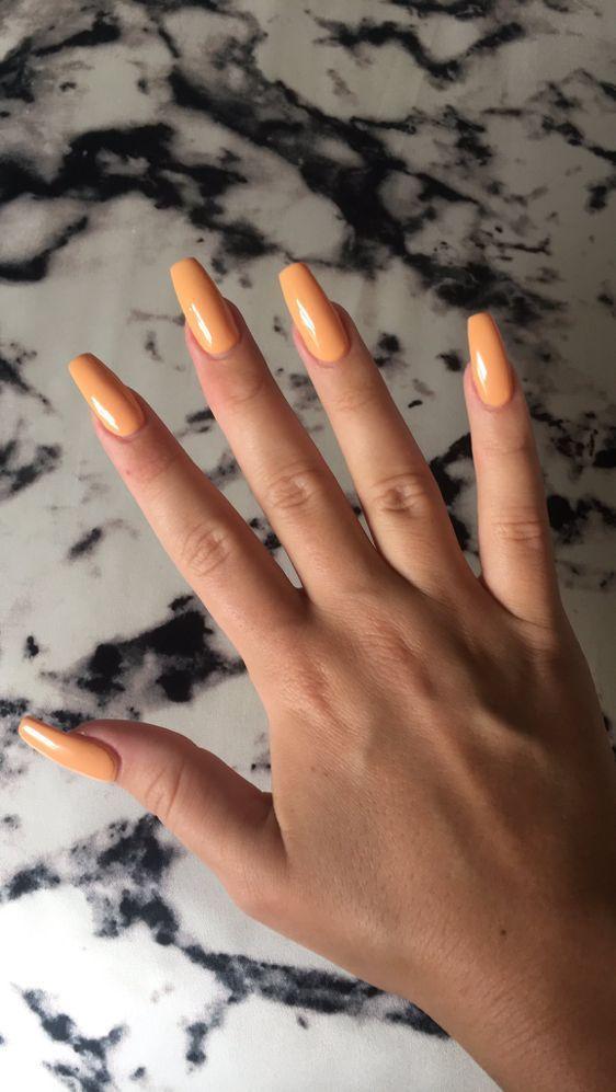 Plonger dans le monde des couleurs de vernis à ongles