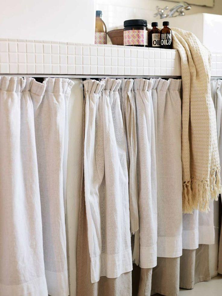 Lav selv et forhæng til vaskeskabet