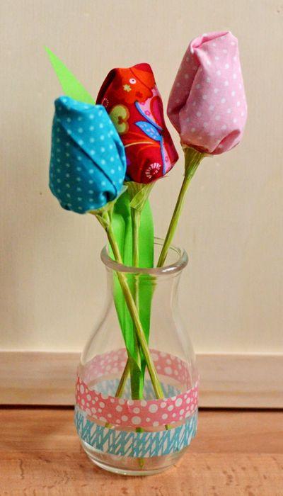 {Tutorial:} Frühlingsgrüße nähen - Tulpe / Tulpen aus Stoff