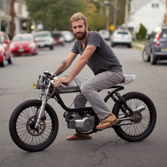 six3seven:  By 'caferacerxxx' on instagram: A moped? Yes and a sexy one.   Austin @Jennifer Romo Mopeds builds some one offs in the #Philadelphia a...