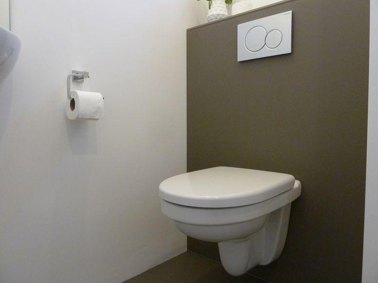 Diy glazen vloer en glazen achterwand voor achter de wc in vele kleuren te krijgen glas in - Kleur wc ...