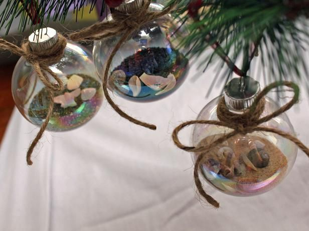 Guest Boredom Busters: Handmade Ornaments --> http://www.hgtv.com/handmade/20-easy-handmade-holiday-ornaments-and-decorations/pictures/page-16.html?soc=pinterest