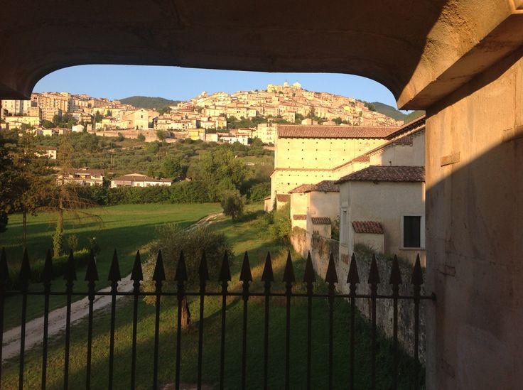 veduta del centro storico di Padula dallo scalone  ellittico della Certosa di San Lorenzo