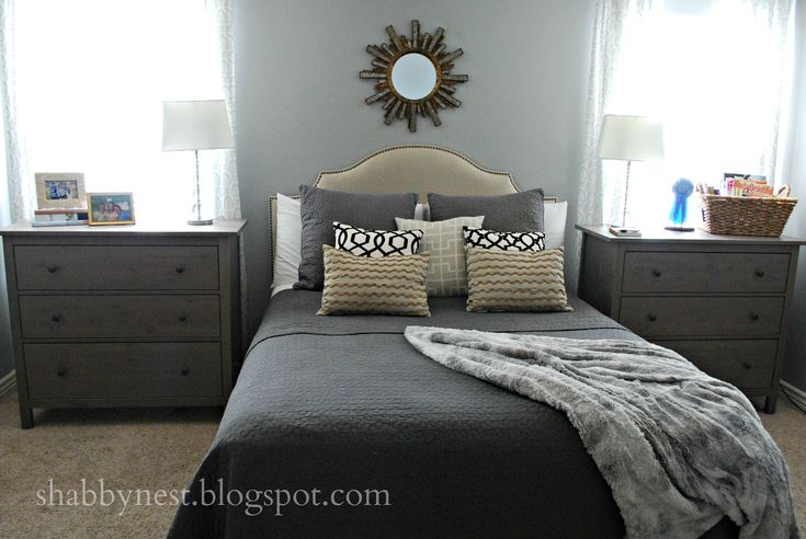 I like the use of small dressers as bedside tables. Two more dressers would make for a ton more storage!