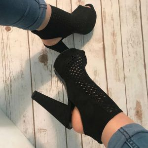 Shop Top Deals, Sexy Heels, Hot Wedges, Trendy Boots and all kind of Stylish Shoes