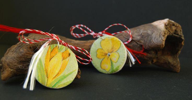 spring flowers decoupage brooch, martisoare handmade, brandusa decoupage, panseluta decoupage