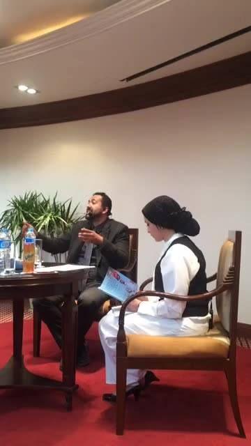 """لقاء مباشر مع د أحمد الخطيب ومناقشة كتاب """"الطب فن"""""""