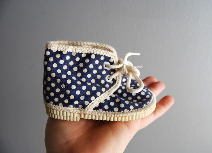 polka dot baby shoes / Kid Wonder