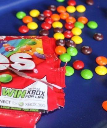 "Skittles ""Vacuum"" easy party game idea"