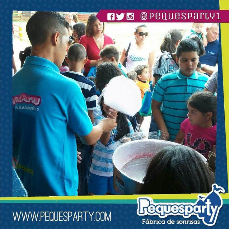 Cuantos algodones quieres? llámanos somos pioneros del todo incluido  Fiestas PequesParty La Fábrica de Sonrisas  #maracaibo #venezuela #animacion #show #findeaño #fiestas #castillos #juegos #diversion #happy #cool #love #a #piscina #pool #algodones #candy #sabores
