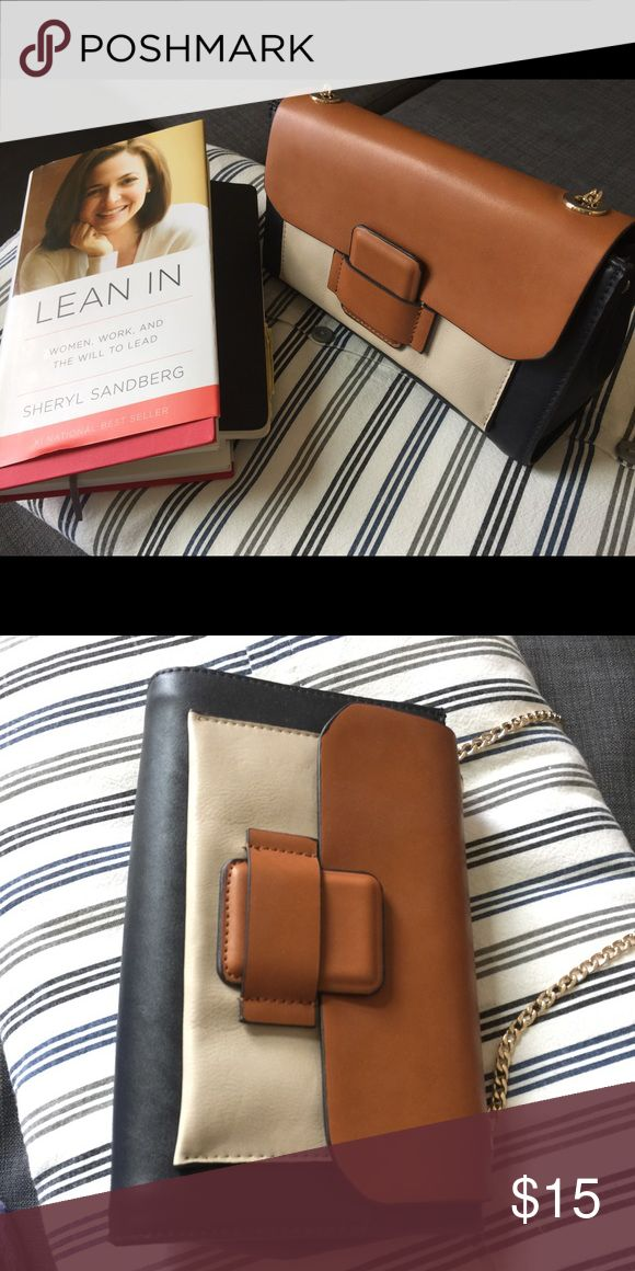 Like New Zara Purse, used once only Small purse from Zara, like new condition. Fit in cellphone, wallet, iPad mini/kindle/Moleskine notebook. Zara Bags Mini Bags