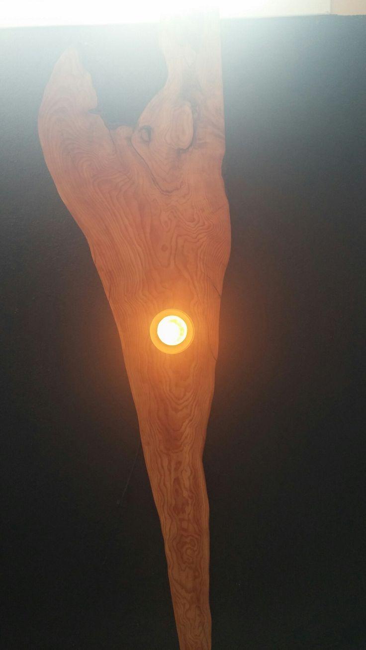 Sedir masif ahşap duvar apliği ~ 180 cm. Heykel formunda. / Cedar wooden statue wall light