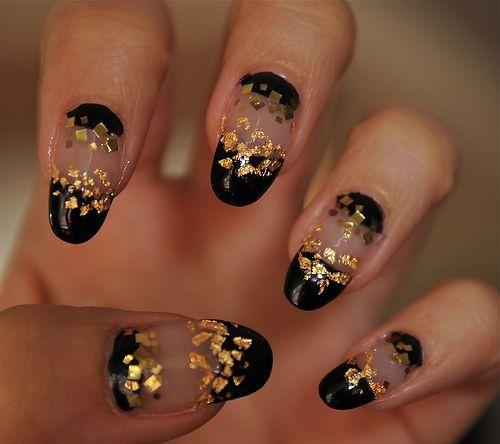 Bow Ties and Barrettes: Cool Nail ArtGold Nails, Nailart, Nails Design, Christmas Nails Art, Black Gold, Nails Art Design, Creative Nails, Nail Art, Art Nails