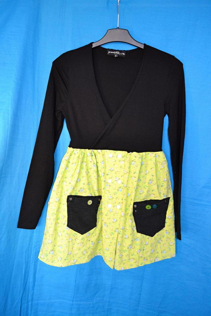 Recy+šaty+/+tunika+Sevilla+vel.+M+(38/40)+Šatičky+z+recy+kousků+oblečení,+černá+hodně+elastická,+krásně+dlouhé+rukávy,+přes+prsa+překřížení,+sukně+bavlněné+plátno,+kapsy+z+rifloviny,+různé+knoflíky...+Veselé,+zajímavé,+originální.+Jiný+takový+kousek+nenajdete+:D+Míry+šířka+v+podpaží+volně+2*39,+délka+80cm.