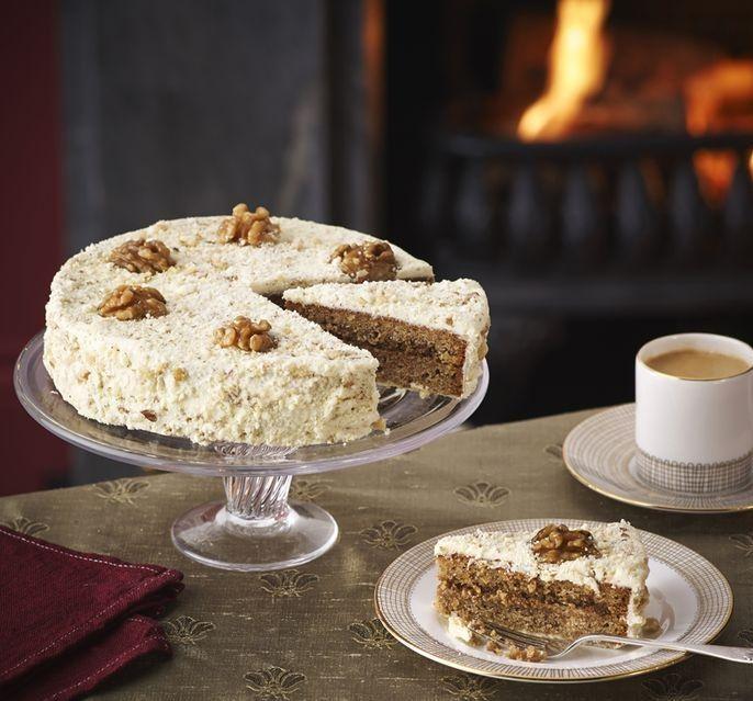 A piskóta puha és nagyon diós! A lekvártól pedig olyan az íze, mintha a nagyika sütötte volna! Számunkra ez a tökéletes diós lekváros sütemény! Hozzávalók[...]