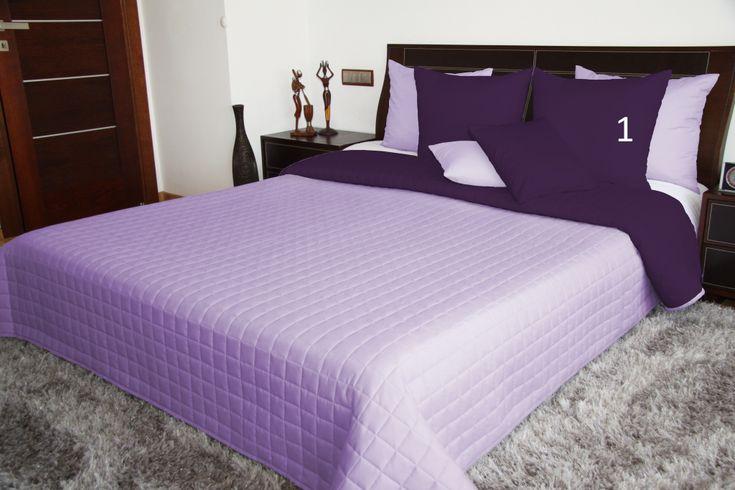 Oboustranné přehozy přes postel ve fialové barvě