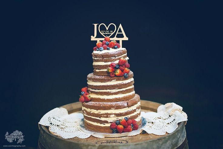 Wedding Cake by 'The Cupcake Effect' © Swirltography2015 - http://www.swirltography.com