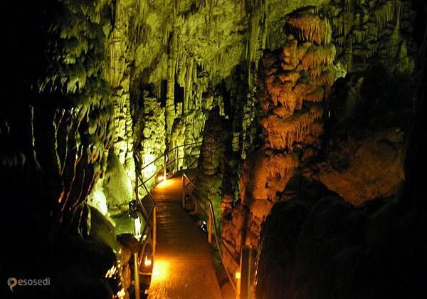 Диктейская пещера – #Греция #Крит (#GR_M) Диктейская пещера - популярная туристическая достопримечательность на Крите. http://ru.esosedi.org/GR/M/1000080618/dikteyskaya_peschera/