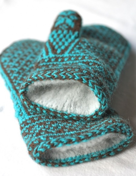knit lined mittens, would hide the back side of the pattern and looks super soft