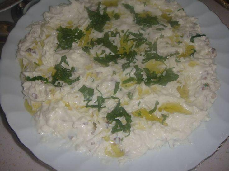 Kerevizi sevmeyenlerin bile yiyebildiği nefis bir salata.