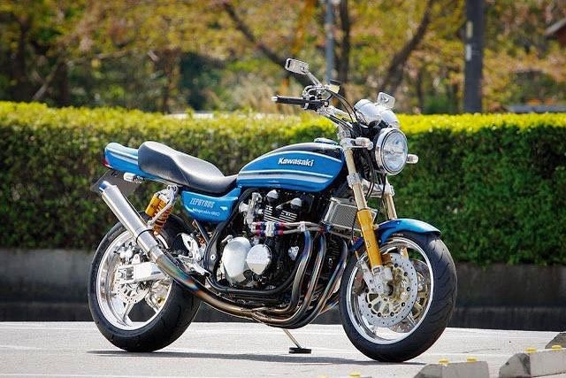 zephyr 750 # zr 750 # kawasaki # japanracer # restomod # shabondama    – Moto Art