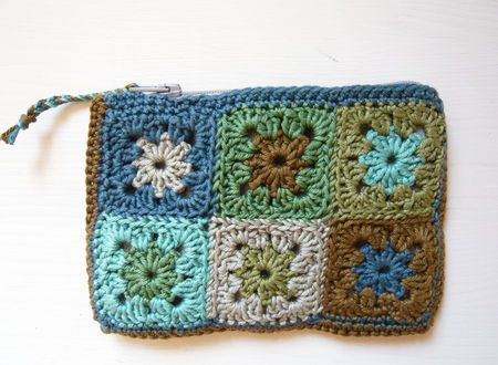 crocheted purse made with mini granny squares - cute!