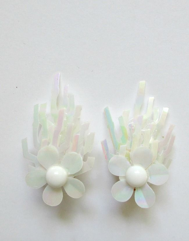 Vintage clip on earrings . Made in France 1960s