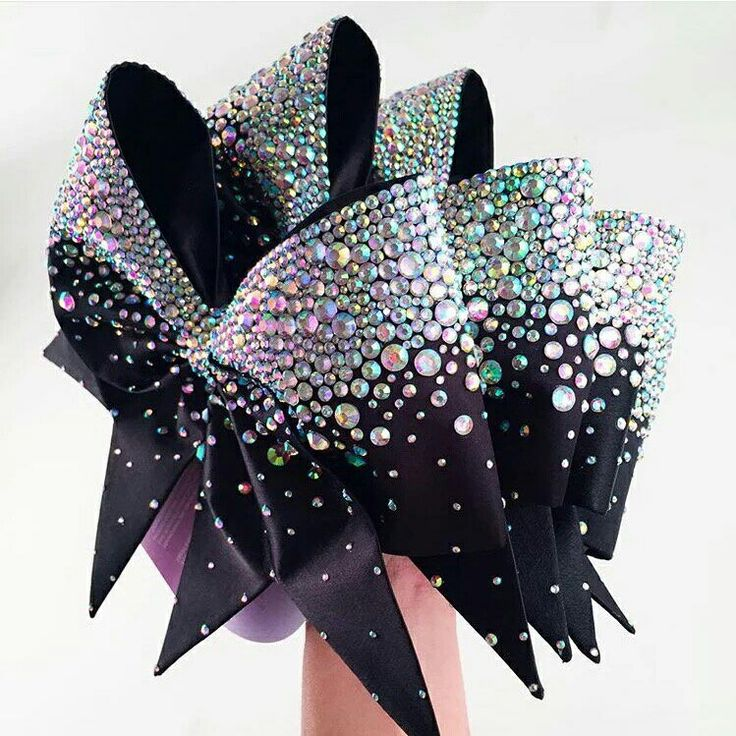Madison Bow Crazy!! Amazing cheer bows from Bows of London Apparel #blingbows #madisonbow #BOLGirls #bowsoflondon