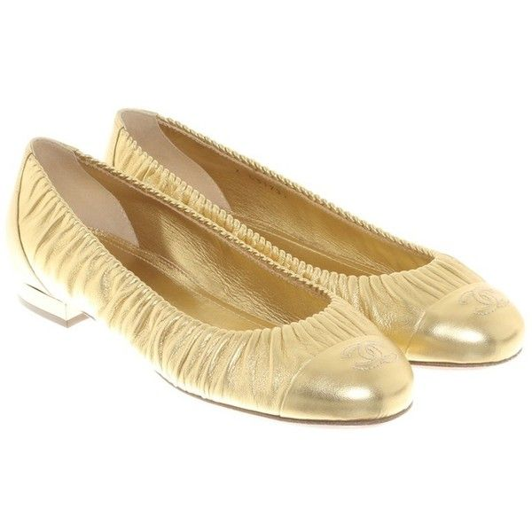 Pre-owned Gold colored ballerinas (1.565 BRL) ❤ liked on Polyvore featuring shoes, flats, gold, ballerina shoes, leather ballet shoes, chanel shoes, ballet flats and chanel