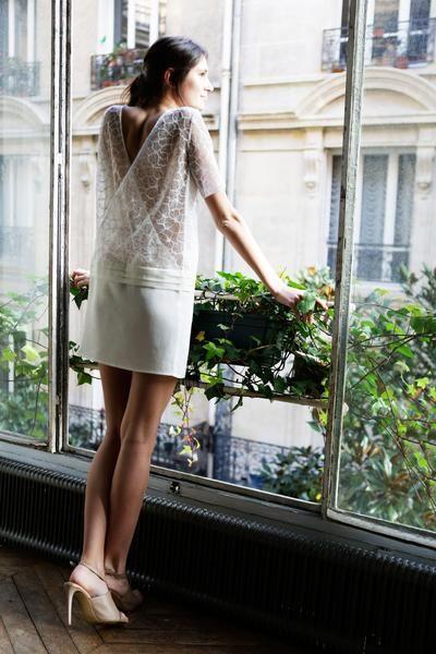 L'amusée Robe de mariée Dos Nu Dentelle Gwenaelle Bizot ligne blanche La Sophistiquée