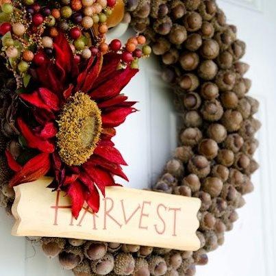acorn wreath for harvest.