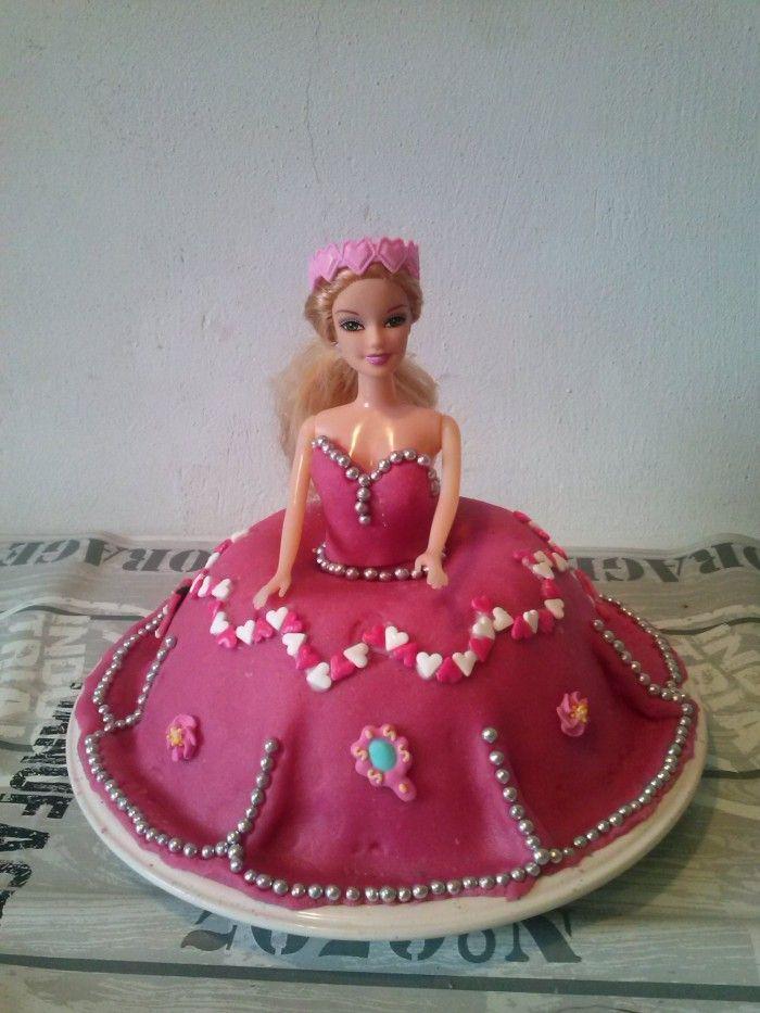 Mooie taart voor een kleine prinses(gemaakt voor mijn dochtertje die 4 werd)