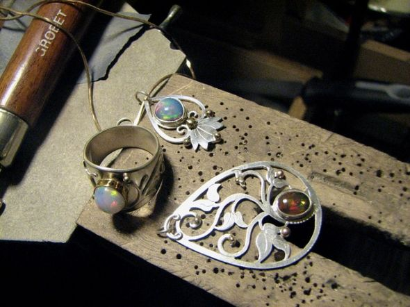 metalsmithing-jewelry-pieces