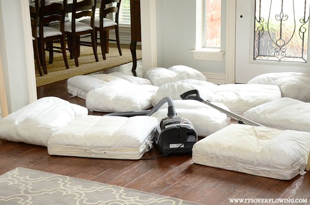 Cleaning mattress, sofa, and sofa cushions. Easy Recipe with Great Results. @ItsOverflowing.com