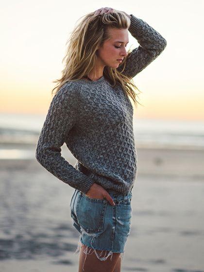 Surfer Girl Beauty Looks - chunky highlights