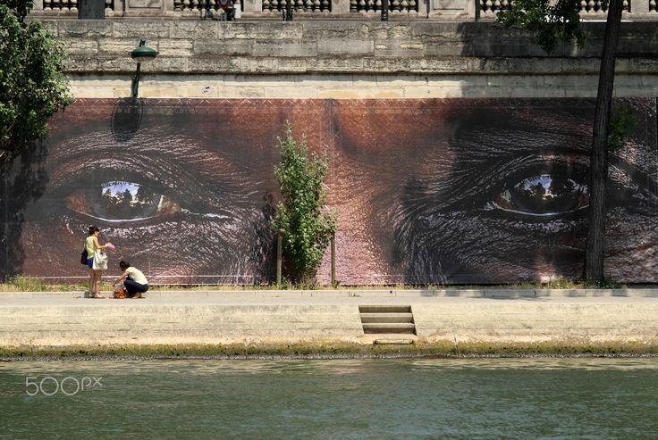 The eyes - Paris