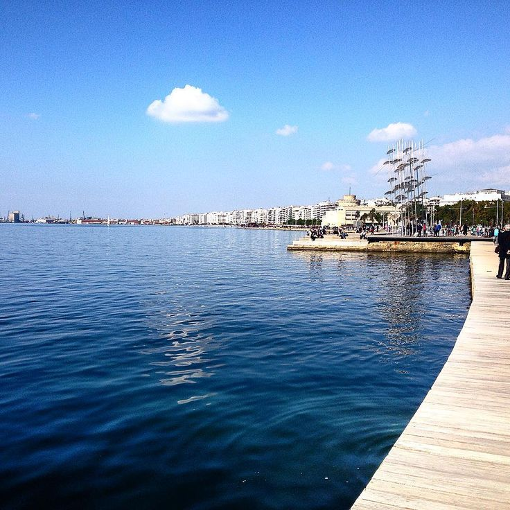The amazing new boardwalk of Thessaloniki. #boardwalk #thessaloniki #visitgreece #view #viewpoint