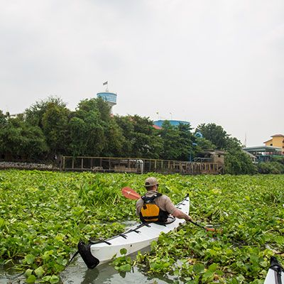 Worlds Beyond takes you on a kayaking adventure to the floating markets of Bangkok with Canoe & Kayak Magazine editor Dave Shivley