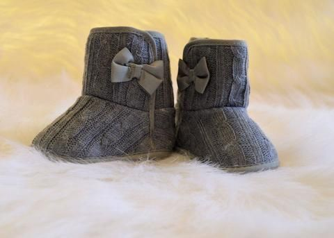 Girls Grey Boots with Bow