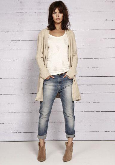 Boyfriend jeans, white T, long cardigan, suede booties