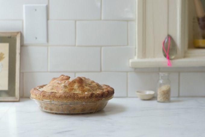 blueberry lemon verbena pie • 101 cookbooks: 101 Cookbook, White Tile, Apples Pies, Verbena Pies, Summer Pies Recipes, Lemon Verbena, Recipes Journals, Summer Pie Recipes, Blueberries Lemon