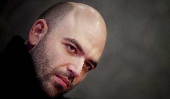 O escritor italiano, autor do aclamado livro sobre a máfia  Gomorra , volta com  Zero Zero Zero , uma viagem pelo negócio da cocaína