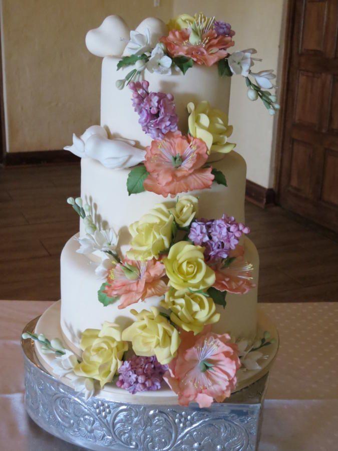 Wedding Cake Inspired by Peggy Porschen - Cake by Lisa Cunningham